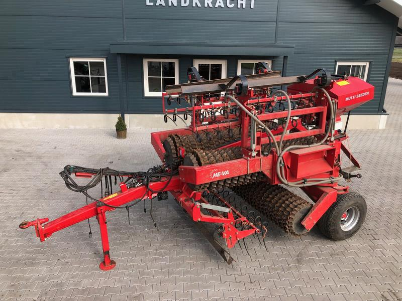 He-Va Grass Roller met Multi Seeder