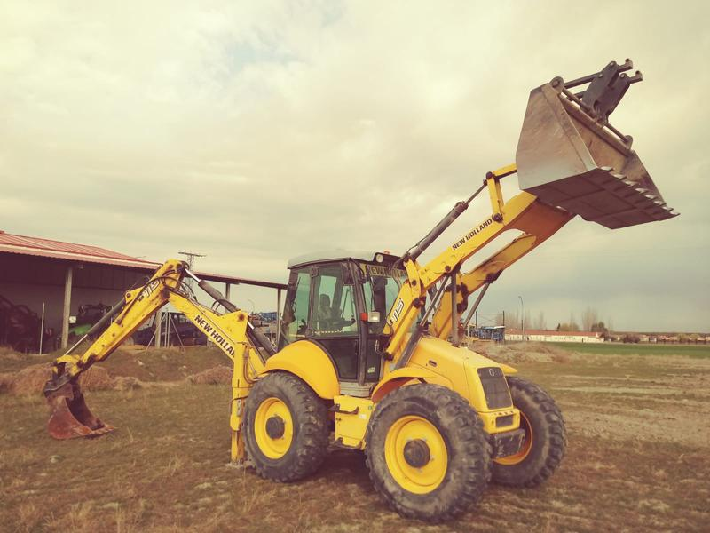 New Holland B115